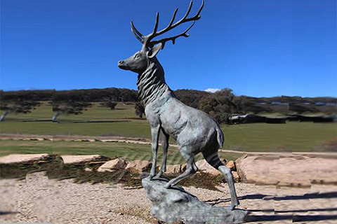 Outdoor life size bronze deer statues