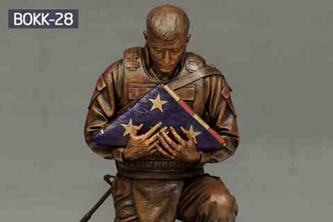 Hot Cast Ingenious Bronze Kneeling Soldier Statue for Sale BOKK-28