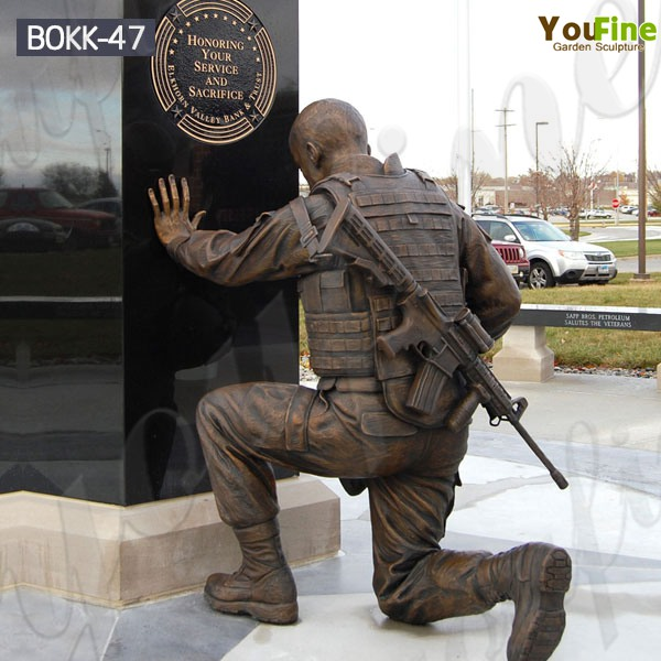 Kneeling Bronze Memorial Hero Soldier Statue Monument Manufacturer BOKK-47